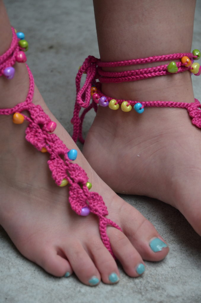 Barefoot sandals in pink